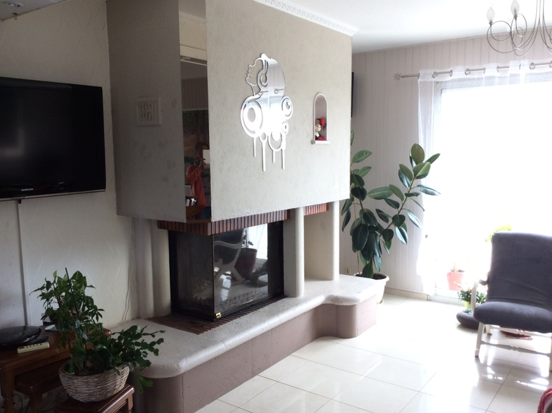 enlever couche de cr pi et peinture sur hotte de chemin e pour lisser et peindre kerlaz. Black Bedroom Furniture Sets. Home Design Ideas