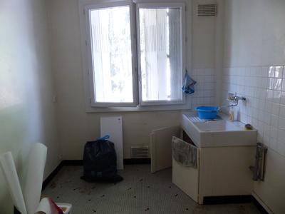 ouvrir une cloison entre la cuisine et le salon nantes abattre un mur non porteur proposez. Black Bedroom Furniture Sets. Home Design Ideas