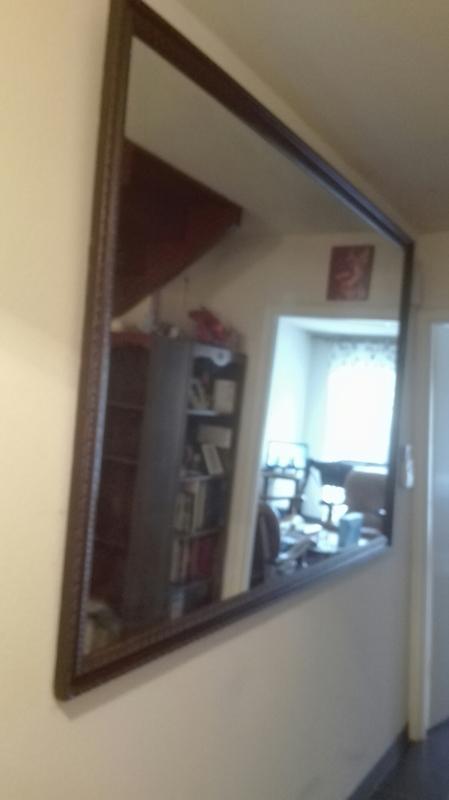 D crocher une glace le pian medoc fixation miroir for Grande glace murale