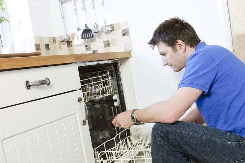 Comment réparer son lave-vaisselle ? Frizbiz est là !