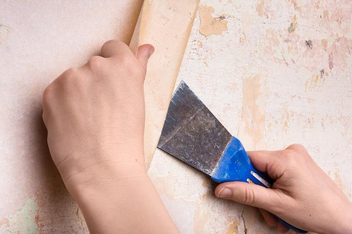 Comment bien décoller du papier peint ?