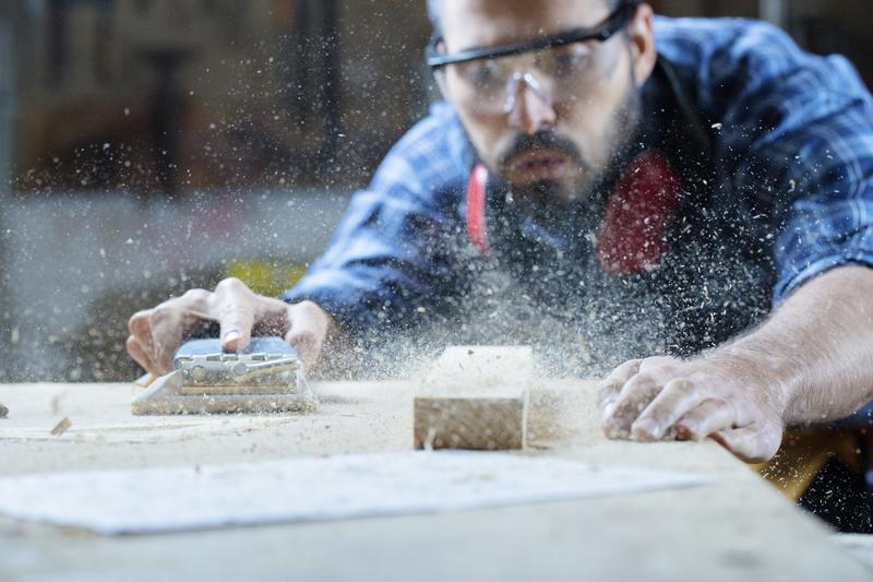 Comment raboter un meuble en bois ?