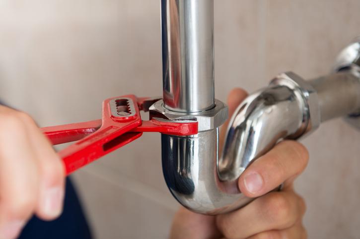 SOS fuite d'eau : trouvez un plombier en urgence