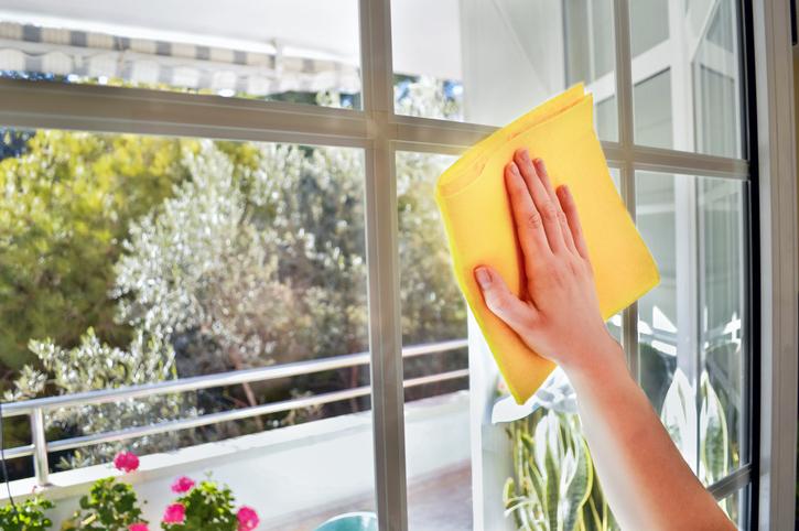 Quels sont les moyens pour nettoyer ses vitres ?