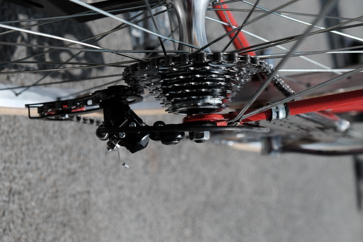 Comment réparer une chaîne de vélo ?