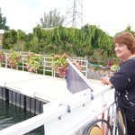 Maman sur le bateau mouche du rhin